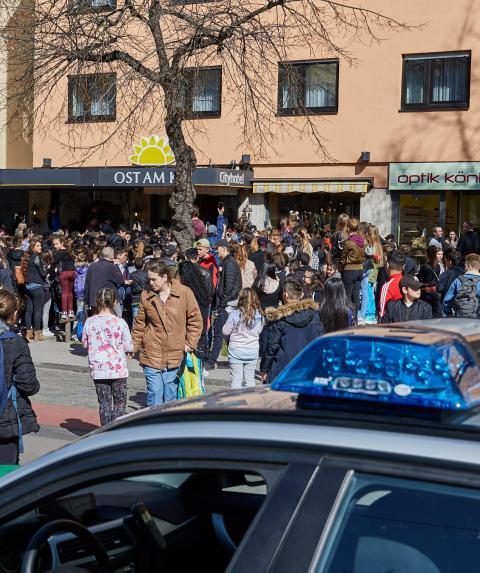Polizei-Einsatz: Youtuber sorgt in Bottrop für Massenandrang