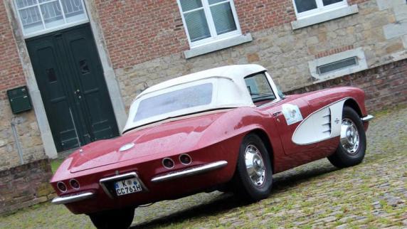 Oldtimer: Schönheiten mit Ecken und Kanten: Siegeszug mit Startproblemen - 60 Jahre Chevrolet Corvette