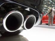 Auto: Umwelt: Neuwagen stoßen weniger CO2 aus.