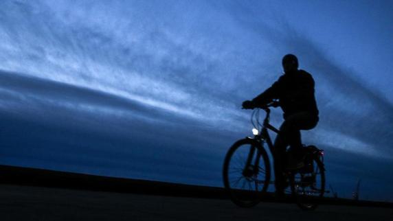 Tipps für Zweirad-Fans: Bei Fahrradlampen nicht nur auf Lux und Lumen achten