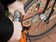 """Mobilität: Fahrräder: """"Daumentest"""" für Reifendruck ungeeignet"""