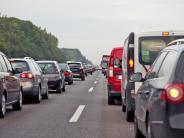 Auto aktuell 1805 und 2105: Dem Stau-Stress gelassen begegnen: Die wichtigsten Tipps