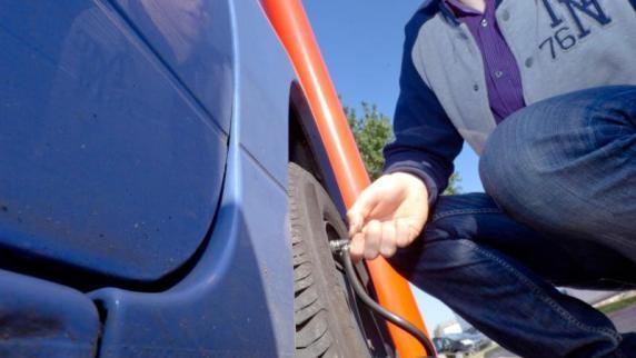 Wenn das Wetter wechselt: Reifendruck: Bei starken Temperaturschwankungen prüfen