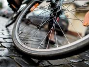 Augsburg: Schüler (12) angefahren - Autofahrer soll sich melden