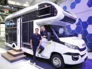 Leicht, sicher und elektrisch?: Caravan Salon:Campingbranche steuert in Zukunft
