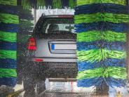 Autopflege im Herbst: Abbrausen, aufschäumen, versiegeln