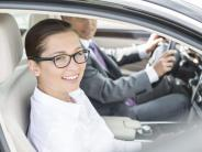 Alle in einem: Auto-Kumpanen? Darauf bei Fahrgemeinschaften achten