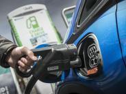 Elektromobilität: E-Autos haben es noch schwer: Warum die Politik handeln muss