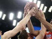 Bundesliga: Viele Hände, viele Probleme