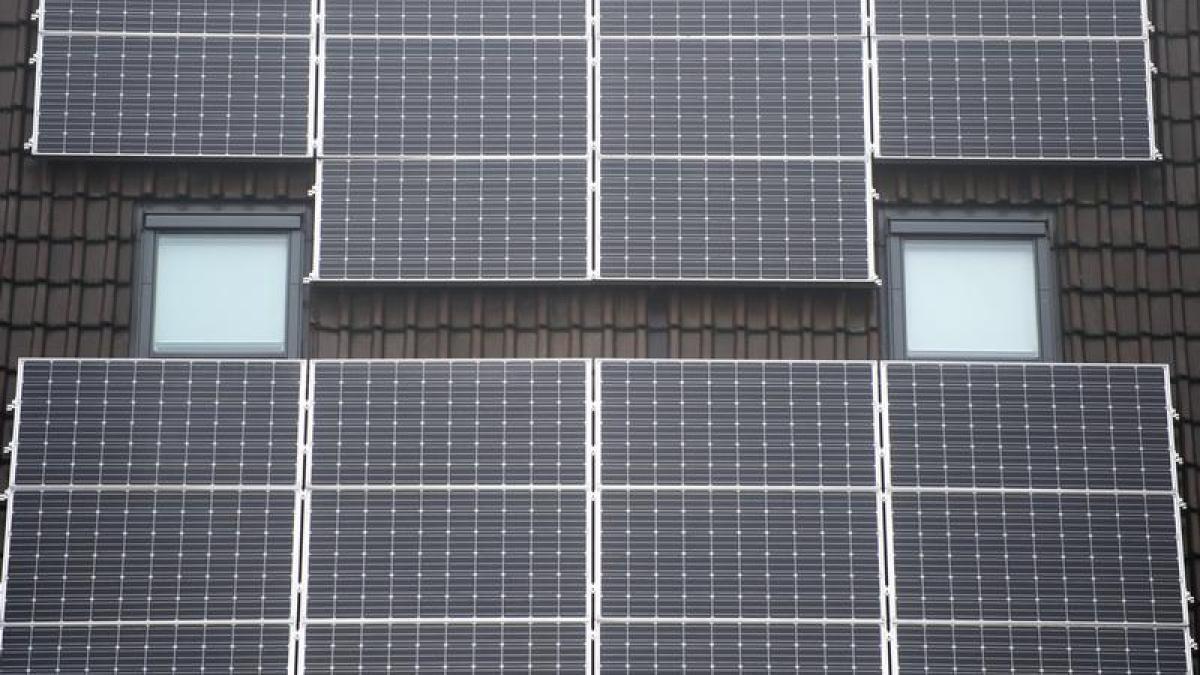 bauen weniger f rderung lohnt sich die solaranlage noch. Black Bedroom Furniture Sets. Home Design Ideas