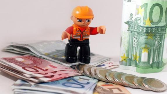 Bauen & Wohnen - News: Steuertrick: Lohnkosten auf zwei Jahre verteilen