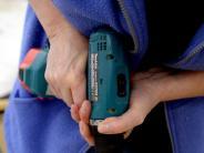 Explosionsgefahr: Lithium-Akkus aus Schrauber zur Lagerung entfernen
