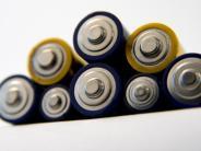 Heimwerker-Tipp: Lithium-Akkus in Sammelboxen imHandel entsorgen