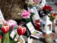 Tragödie: Hakenkreuze und Hitler-Gruß