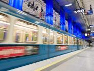 München: Mann vor U-Bahn geschubst: 38-Jährige in Untersuchungshaft