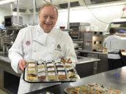 Kochen: Wie Sternekoch Alfons Schuhbeckdie Kraft der Kräuter erklärt