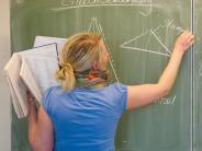 Kommentar: Muss ein Lehrer auch Beamter sein?