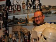 Kreis Dillingen: Star-Wars-Fan hat sich den Weltraum ins Wohnzimmer geholt