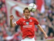 Fußball: Mainzer Bungert und Bell fit für Spiel in Stuttgart