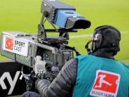 FC Augsburg: Was die neue Verteilung der TV-Milliarden für den FCA bedeutet