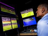 Fußball: Bundesliga testet erstmals den Video-Beweis