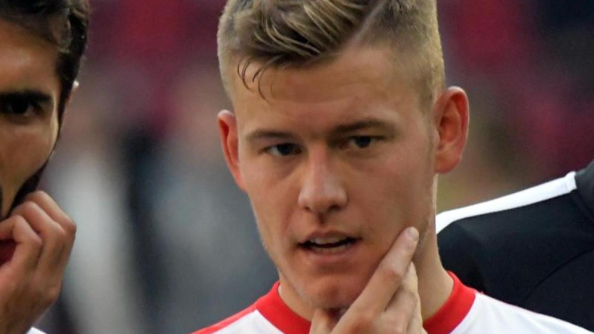 FC-Augsburg-Alfred-Finnbogason-steht-vor-seinem-Comeback-beim-FCA