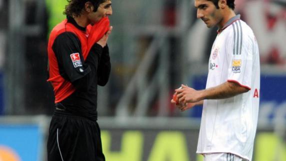 FC Augsburg: Halil gegen Hamit: Es könnte das letzte Duell der Altintops sein