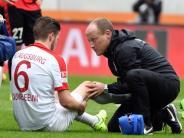 Kapselriss im Knie: FCAugsburg wochenlang ohne Abwehrspieler Gouweleeuw