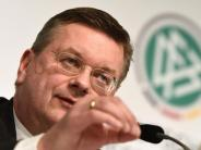 Nach neuen Vorfällen: Fan-Entgleisungen: DFB-Boss Grindel nimmt DFL in die Pflicht