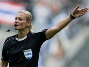 Bundesliga-Premiere: Schiedsrichterin Bibiana Steinhaus fühlt «keine Angst»