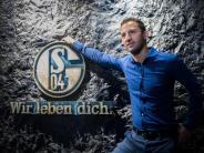 Ausrüster wird vorgestellt: Schalke vor Haupt-Versammlung: Heidel ohne «Bammel»