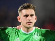 Vierjahresvertrag: HSV holt U21-Torhüter Pollersbeck