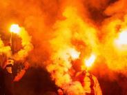 Fußball: Bayerns Innenminister Herrmann und Manager warnen vor Ultras