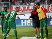 FC Augsburg: FCA siegt in Frankfurt mit 2:1