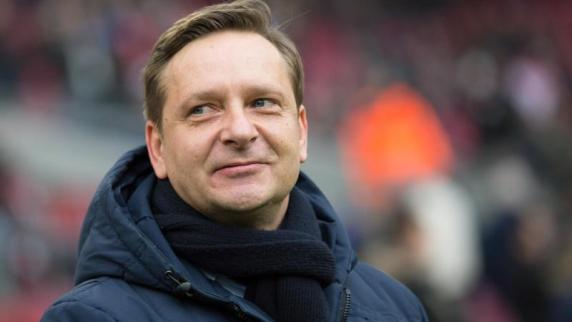 Nach Wechsel-Posse mit Köln: 96-Boss vertraut Manager Heldt