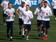 Vor Abreise: Letztes Bayern-Training in Doha wieder mit Kimmich