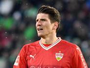 FC Augsburg: VfBStuttgart tritt mit Nationalstürmer Gomez beim FCA an