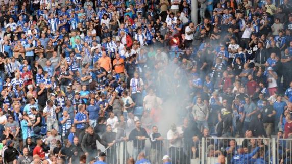 Pokal: Krawalle in Magdeburg:Polizei identifiziert Pyro-Werfer