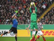 FinnischerPokalriese: Keeper Hradecky rettet «zweitklassige»Eintracht