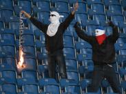 Pokalspiel gegen Hertha: Nach Randale: Rostock entzieht Fanszene Arbeitskarten