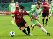 Niedersachsen-Pokalduell: Trainer Schmidt gewinnt erstmals mit Wolfsburg