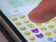 """Android: """"Pommesgabel"""" und mehr: 150 neue Emojis nach WhatsApp-Update"""