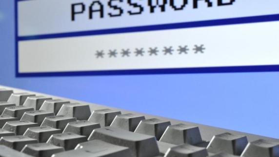 Computer: Experten: Bei drahtlosen Tastaturen auf Bluetooth setzen