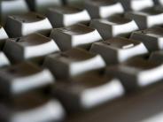 Kleines Gehäuse, kaum Leistung: PC-Sticks und günstige Mini-PCs überzeugen Warentester nicht