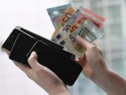 Gebrauchtes zu Geld machen: Das alte Smartphone im Netz verkaufen
