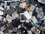 Elektroschrott belastet Umwelt: So leben Smartphone und Co länger