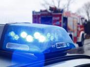 Gundelfingen: Lkw fährt auf Auto auf: Zwei Verletzte