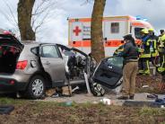 Landkreis Dillingen: Schwerer Unfall auf der B16: Vier Menschen kämpfen um ihr Leben