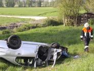 Wertingen: Auto überschlägt sich: 38-Jährige bei Unfall schwer verletzt