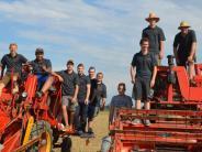 Feldtage: Von jungen Männern und alten Maschinen